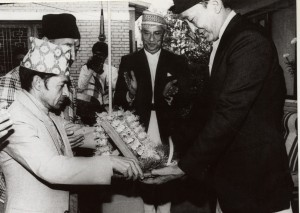 २०४४ सालको मदन पुरस्कारद्वारा सम्मानित 'उत्सर्ग'का स्रस्टा श्री राजेश्वर देवकोटा
