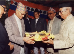 २०५९ सालको मदन पुरस्कारद्वारा सम्मानित 'नेपाली कानुन एेतिहासिक रूपरेखा'का स्रस्टा श्री रेवती रमण खनाल